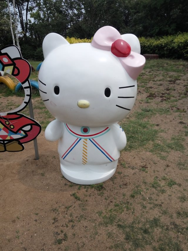 雕塑Hello kitty